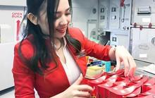 Nữ tiếp viên hàng không gốc Hoa bị chụp trộm gây sốt mạng xã hội