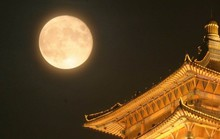 Trung Quốc tạo ra mặt trăng thứ 2, giới khoa học lo ngại