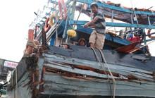 Ngư dân bàng hoàng kể lại giây phút bị tàu lạ đâm giữa biển