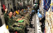 Cận cảnh trong máy bay C-17 đưa bệnh viện dã chiến Việt Nam đến Nam Sudan