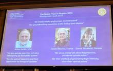 Đoạt giải Nobel Vật lý 2018 ở tuổi 96