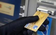 """Làm gì khi tiền trong tài khoản ATM bỗng dưng """"bốc hơi""""?"""