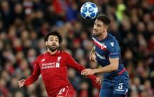 Liverpool mở đại tiệc bàn thắng, Salah nhận quà độc từ CĐV