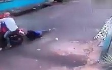 TP HCM: Bị cướp giật túi xách, cô gái trẻ té xuống đường tử vong