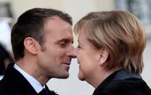Bà Merkel bất ngờ bị nhầm là ...vợ ông Macron