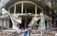 Ban công căn nhà mặt tiền ở TP HCM bất ngờ đổ sập