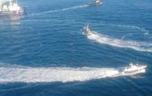 Cận cảnh tàu Ukraine cố áp sát Crimea bất chấp Nga xua đuổi