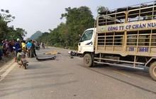 Bất ngờ tông thẳng vào xe tải, 2 người đi xe máy tử vong tại chỗ