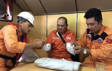 Cứu nạn khẩn cấp thuyền viên nước ngoài bị thương trên biển