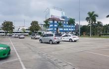 Phản đối Grab, tài xế nhiều hãng taxi dừng đón khách ở sân bay Đà Nẵng