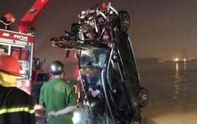 Vụ xe Mercedes rơi xuống sông: Xác minh CMND người đàn ông tìm thấy trên xe