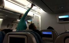 Đội lốt doanh nhân đi máy bay hạng thương gia để móc túi