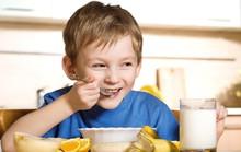 Có nên nuốt chuối, cơm cho trôi khi mắc xương?