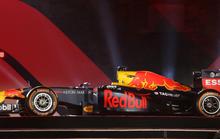 Choáng với giá trị siêu xe đua F1 xuất hiện tại Hoàng thành Thăng Long