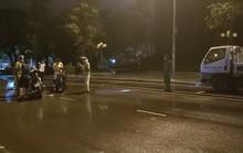 Thông tin bất ngờ về clip CSGT ngã ngửa khi nói chuyện với dân