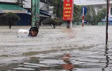 Miền Trung chìm trong mưa lũ