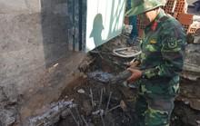 Công nhân xây dựng chạy tán loạn khi phát hiện đạn cối dưới móng nhà