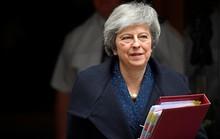 Thủ tướng May sống sót, ly dị Anh - EU vẫn bế tắc