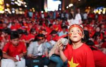 Khắp nơi xuống đường mừng chức vô địch AFF Cup 2018
