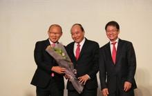 HLV Park Hang-seo tặng 100.000 USD tiền thưởng cho trẻ em nghèo, bóng đá trẻ