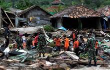 Indonesia: Sau sóng thần chớp nhoáng là động đất và thảm họa lơ lửng