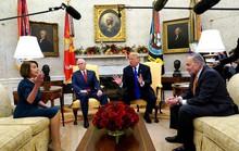Ông Trump nhượng bộ, hạ giá tiền xây tường biên giới?