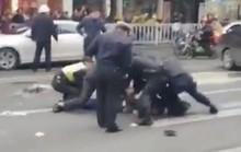 Trung Quốc: Cướp xe buýt tông người đi đường, 26 người thương vong