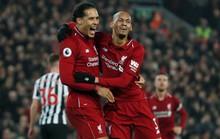 Không tặng quà cố nhân, Liverpool đè bẹp Newscatle ở Anfield