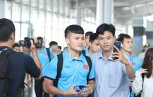 Công Phượng, Quang Hải hút fan khi tuyển Việt Nam bay sang Malaysia