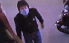 Hé lộ hình ảnh nam thanh niên đột nhập căn nhà trình báo mất khoảng 8 tỉ đồng