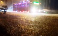 Mưa không ngừng nghỉ, Quốc lộ 1 qua Quảng Nam gần như tê liệt