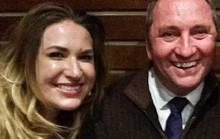 Rúng động vụ phó thủ tướng Úc có con riêng với thư ký
