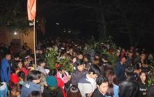 Phiên chợ quê độc đáo lúc nửa đêm thu hút hàng vạn người đến cầu may