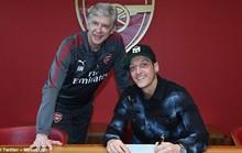 Arsenal giữ chân Ozil bằng lương khủng
