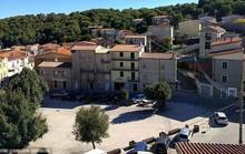 Thị trấn xinh đẹp ở Ý bán 200 căn nhà với giá một bảng