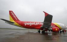 Nắng lên, khách đến Vinh hết cảnh phải delay, bay vòng Hà Nội, Đà Nẵng