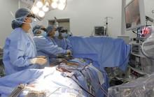 Trục xuất khối u khủng khỏi lồng ngực của nam sinh viên