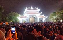 Biển người đổ về Hội Lim, xuyên đêm nghe hát canh