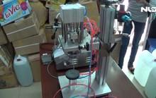 Triệt phá cơ sở sản xuất nước hoa giả quy mô lớn