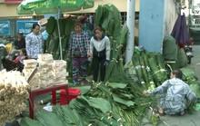 Tấp nập chợ lá dong Sài Gòn