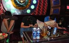 Nhiều nam thanh, nữ tú vào quán karaoke dùng ma túy