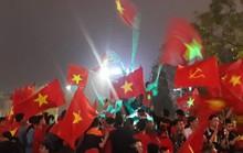 Hà Nội đêm trắng ngập sắc đỏ mừng kỳ tích U23 Việt Nam