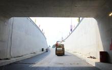 Chắn đường Trường Chinh thi công nhánh 2 hầm chui An Sương