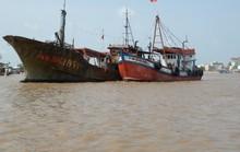 """Tàu """"ma"""" Trung Quốc trôi dạt trên vùng biển Bạc Liêu"""