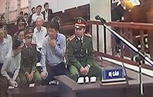 Ông Đinh La Thăng liên tục nói chuyện với Ninh Văn Quỳnh