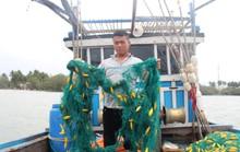Ngư dân Quảng Nam báo bị tàu lạ dùng súng uy hiếp, phá ngư cụ