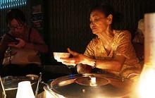 Chè đèn dầu Sài Gòn 40 năm: chỉ 5.000 đồng/chén