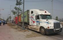 Thanh tra giao thông đấu trí với tài xế chở hàng quá tải suốt nhiều giờ