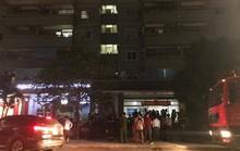 Hà Nội: Cháy chung cư trong đêm, người dân hốt hoảng tháo chạy