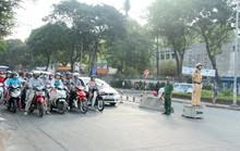 Màu áo Thanh niên xung phong hiện diện khắp các ngã đường